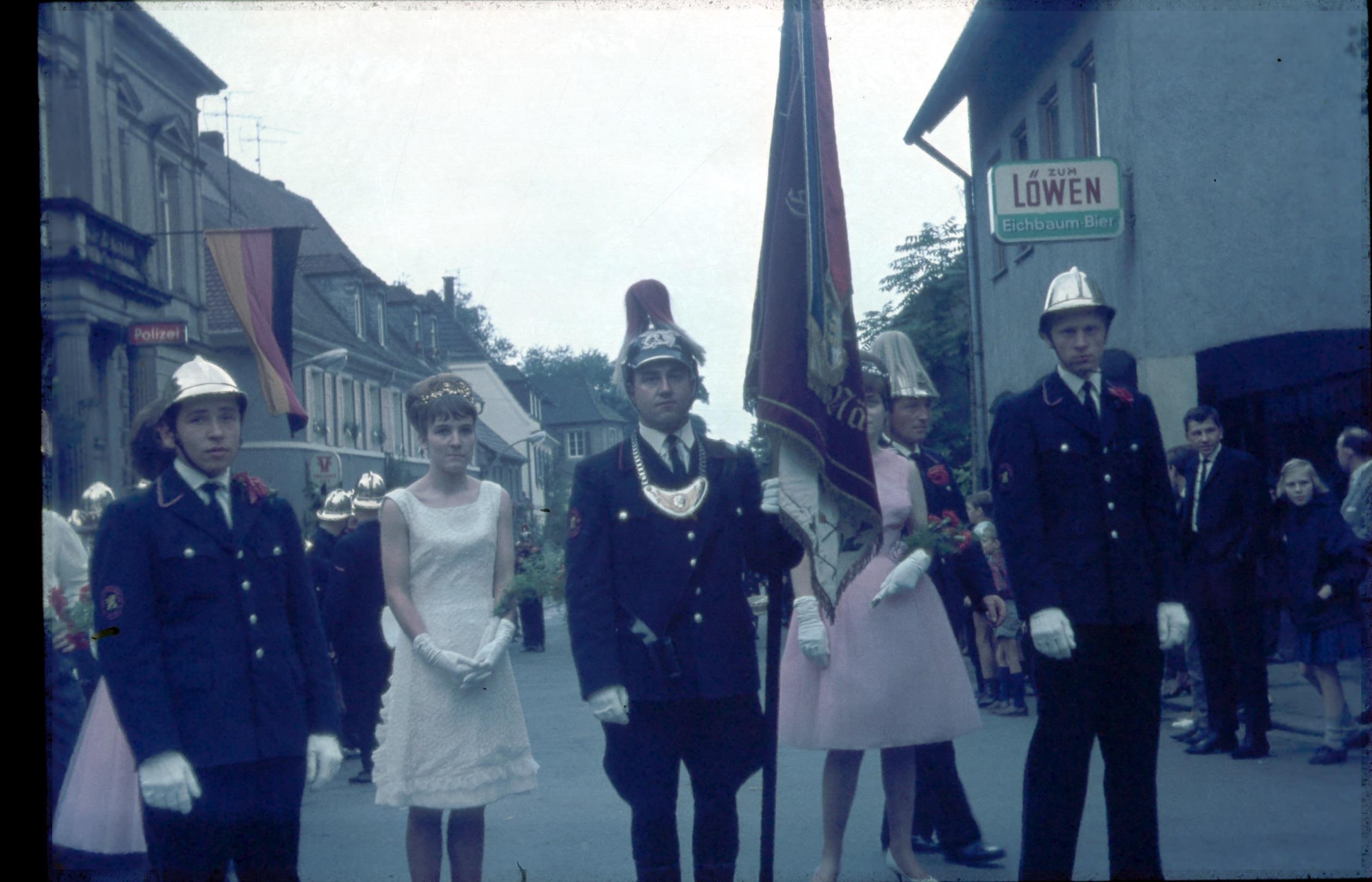 5424c28a9b102e Juli 1965  Enthüllung einer Gedenktafel für Hans Breuer durch  Volksliedfreunde in Heidelberg in der Klingenteichstraße 27